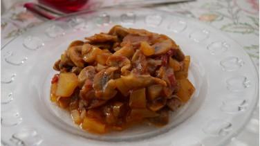 Patatesli mantar yemeği