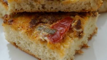 Kıymalı pizza (lahmacun böreği)