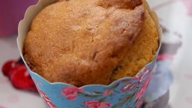 Pastane usulü üzümlü kup kek