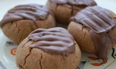 Çikolatalı keçiboynuzlu kurabiye