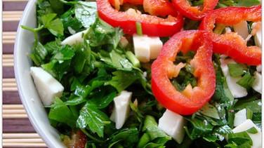 Maydanoz Salatası Tarifi / 2 kişilik