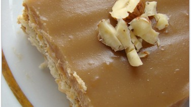 Bisküvili pasta ve elmalı toplar tarifi