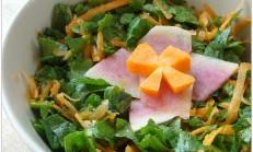Gelincik otu salatası ve böreği