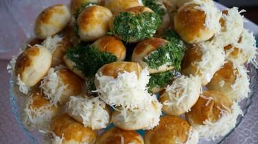Sakallı Poğaça Tarifi / Pastane Usulü