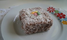 Lamington Kek Tarifi / Lokum Kek / İngiliz keki
