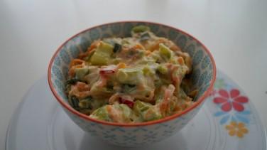 Yoğurtlu Pırasa Salatası Tarifi / 2 Kişilik