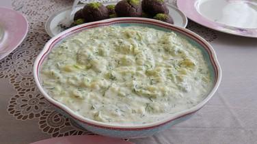 Yoğurtlu Patates Salatası Tarifi / Rende Salata